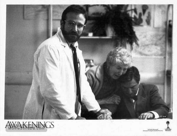Awakenings Publicity Still Of Robert De Niro Robin Williams