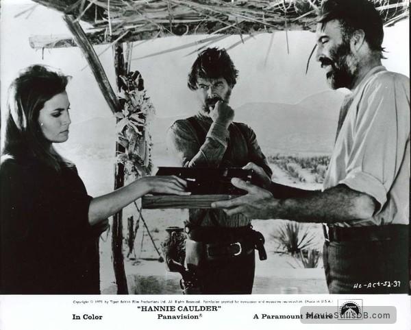 Hannie Caulder - Publicity still of Raquel Welch, Christopher Lee & Robert Culp
