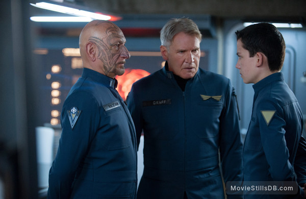Ender's Game - Publicity still of Asa Butterfield, Harrison Ford & Ben Kingsley