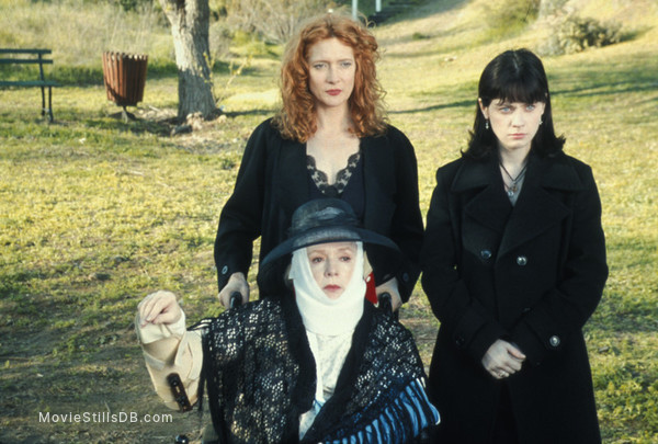 Eulogy - Publicity still of Piper Laurie, Glenne Headly & Zooey Deschanel