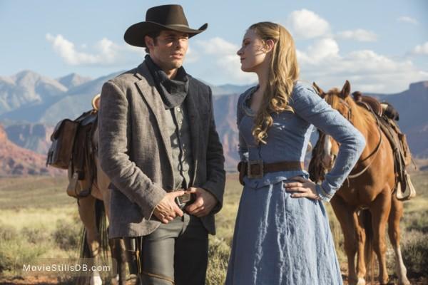 Westworld - Publicity still of Evan Rachel Wood & James Marsden