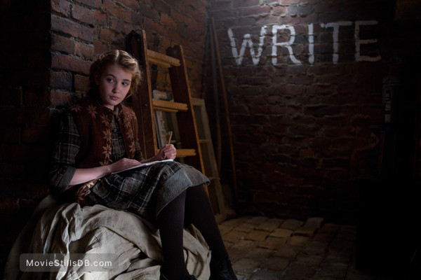 The Book Thief - Publicity still of Sophie Nélisse