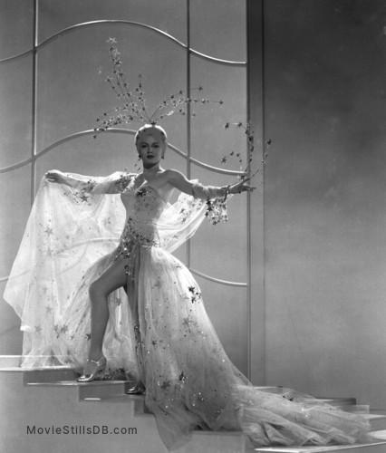 Ziegfeld Girl - Promo shot of Lana Turner