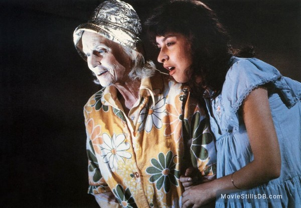 *batteries not included - Publicity still of Jessica Tandy & Elizabeth Peña