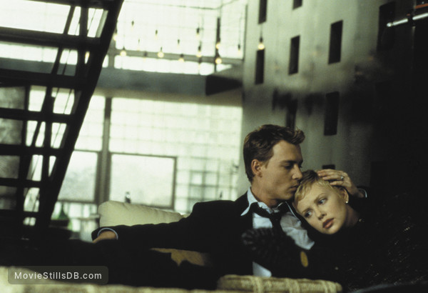 The Astronaut's Wife - Publicity still of Johnny Depp & Charlize Theron