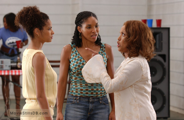 Madea's Family Reunion - Publicity still of Rochelle Aytes, Lisa Arrindell & Lynn Whitfield