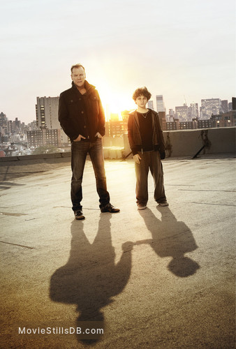 Touch - Promo shot of Kiefer Sutherland & David Mazouz