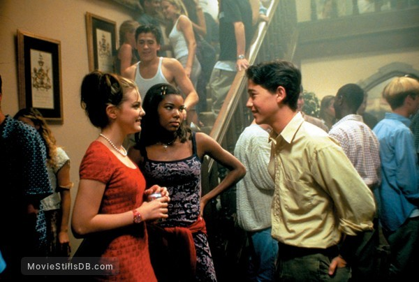 10 Things I Hate About You - Publicity still of Gabrielle Union, Joseph Gordon-Levitt & Larisa Oleynik