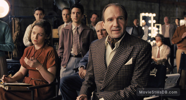 Hail, Caesar! - Publicity still of Ralph Fiennes