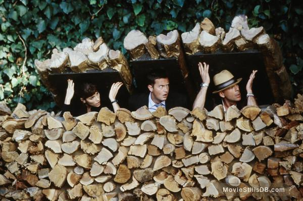 The Whole Ten Yards - Publicity still of Bruce Willis, Matthew Perry & Amanda Peet