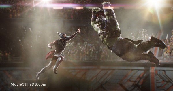 Thor: Ragnarok - Publicity still of Chris Hemsworth & Mark Ruffalo