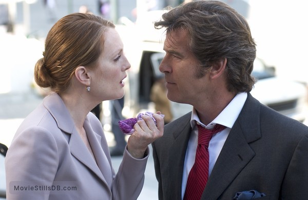 Laws Of Attraction - Publicity still of Julianne Moore & Pierce Brosnan