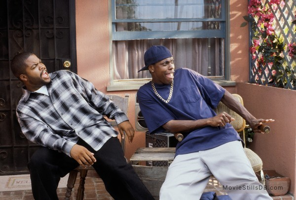 Friday - Publicity still of Chris Tucker & Ice Cube