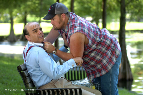 Larry the Cable Guy: Health Inspector - Publicity still of Joe Pantoliano & Larry the Cable Guy