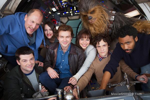 Solo: A Star Wars Story - Behind the scenes photo of Alden Ehrenreich, Woody Harrelson, Emilia Clarke, Donald Glover, Phil Lord, Christopher Miller, Phoebe Waller-Bridge & Joonas Suotamo