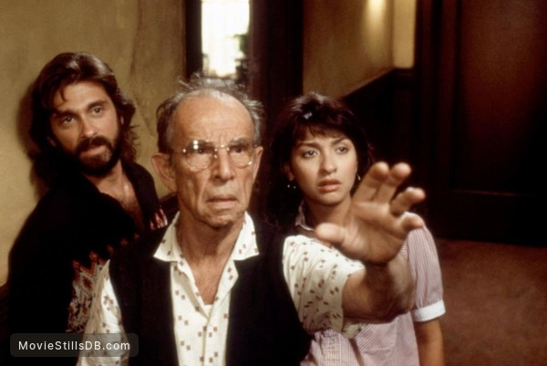 *batteries not included - Publicity still of Dennis Boutsikaris, Hume Cronyn & Elizabeth Peña