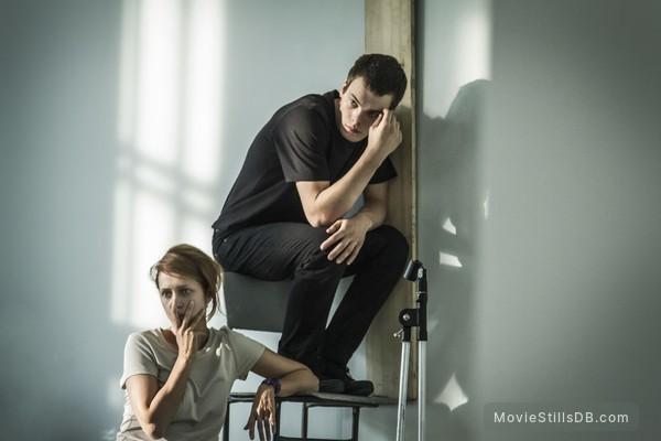 (M)uchenik - Publicity still of Pyotr Skvortsov & Viktoriya Isakova