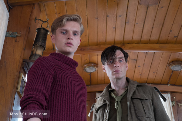 Dunkirk - Publicity still of Cillian Murphy & Tom Glynn-carney