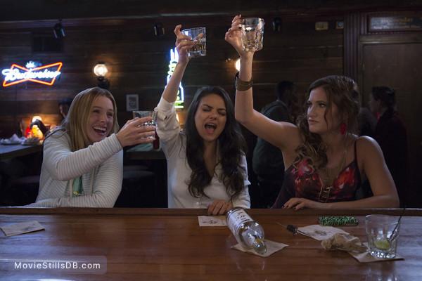 Bad Moms - Publicity still of Mila Kunis, Kristen Bell & Kathryn Hahn