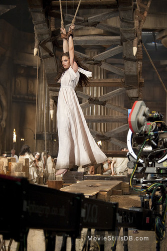clash of the titans behind the scenes photo of alexa davalos