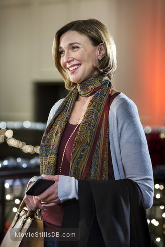 Ice Sculpture Christmas.Ice Sculpture Christmas Publicity Still Of Brenda Strong