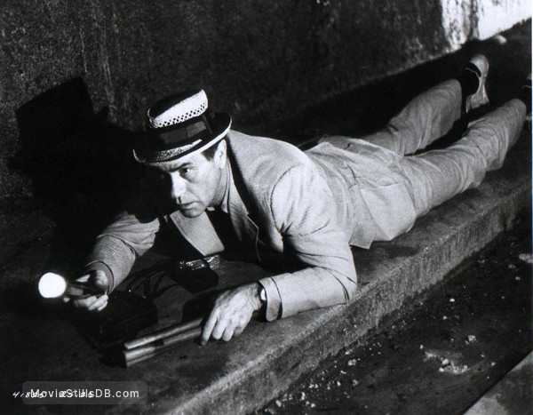 The Night Stalker - Publicity still of Darren McGavin