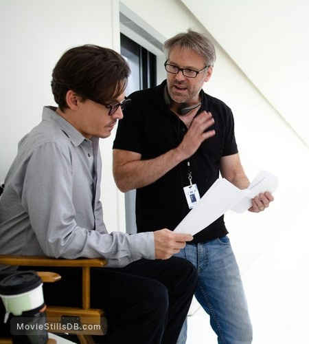 Transcendence - Behind the scenes photo of Johnny Depp & Wally Pfister