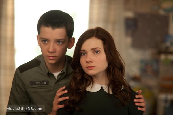 Ender's Game - Publicity still of Asa Butterfield & Abigail Breslin
