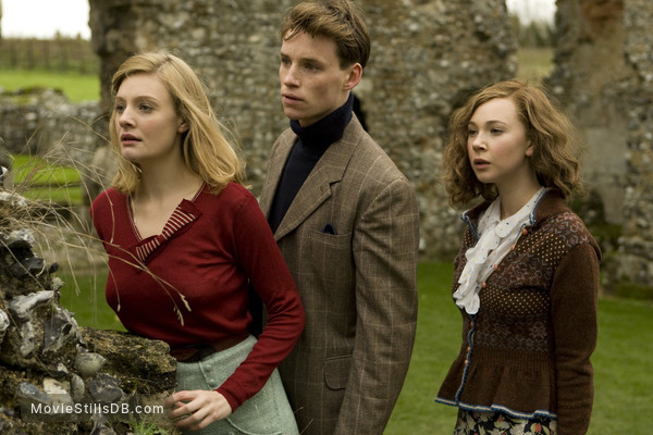 Glorious 39 - Publicity still of Romola Garai, Eddie Redmayne & Juno Temple