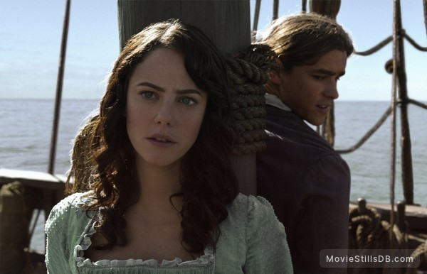 Pirates of the Caribbean: Dead Men Tell No Tales - Publicity still of Kaya Scodelario & Brenton Thwaites
