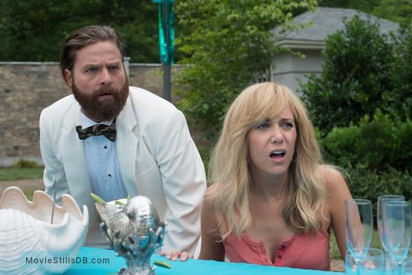 Masterminds - Publicity still of Zach Galifianakis & Kristen Wiig