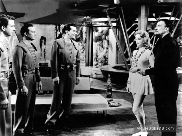 Forbidden Planet - Publicity still of Leslie Nielsen, Warren Stevens, Jack Kelly, Anne Francis & Walter Pidgeon