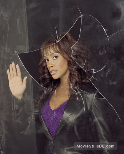 1-800-Missing - Promo shot of Vivica A. Fox