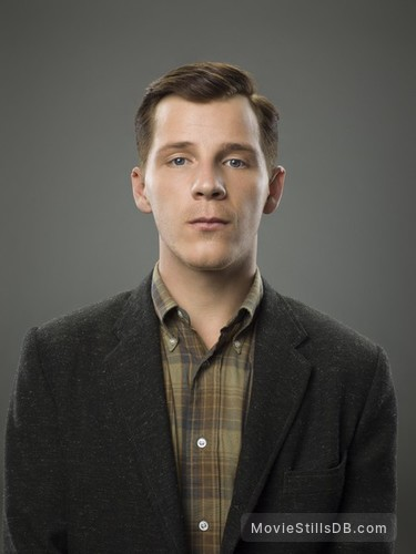 11.22.63 - Promo shot of Daniel Webber