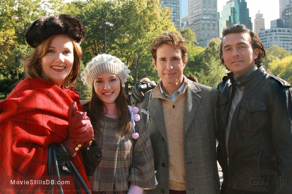 Gossip Girl - Publicity still of Margaret Colin, Leighton Meester, John Shea & William Abadie