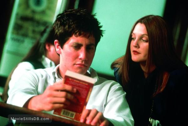 Donnie Darko - Publicity still of Jake Gyllenhaal & Drew Barrymore