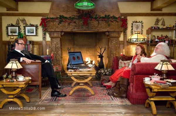 Fred Claus - Publicity still of Kevin Spacey, Miranda Richardson & Paul Giamatti