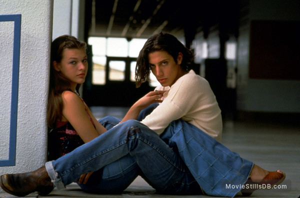 Dazed And Confused - Promo shot of Milla Jovovich & Shawn Andrews