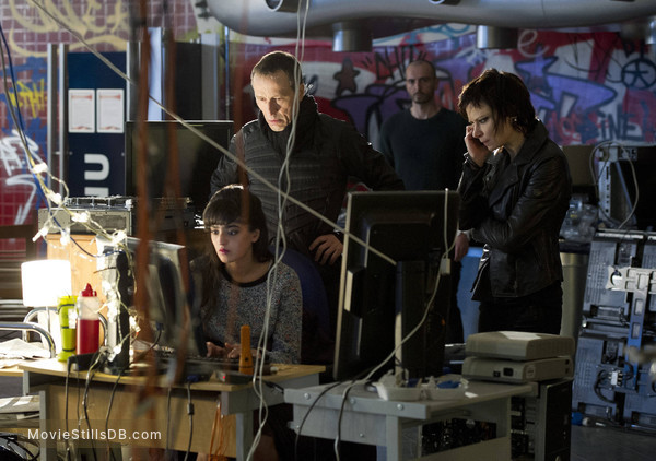 24: Live Another Day - Publicity still of Mary Lynn Rajskub, Michael Wincott, Christina Chong & James Allenby-Kirk