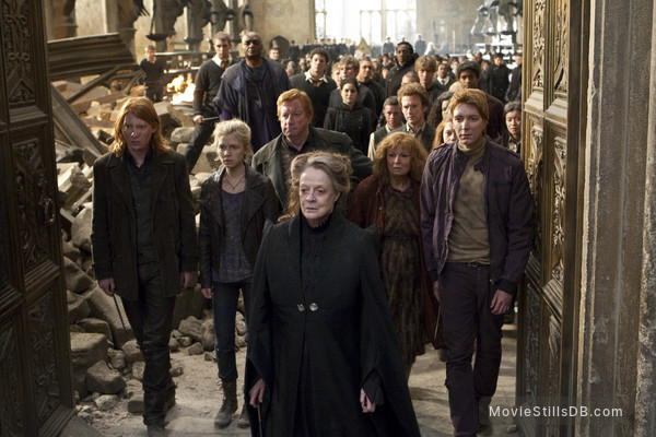 Harry Potter and the Deathly Hallows: Part II - Publicity still of Maggie Smith, Julie Walters, James Phelps, Mark Williams, George Harris, Domhnall Gleeson, Chris Rankin, Devon Murray & Alfie Enoch