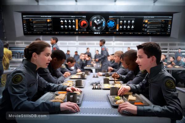 Ender's Game - Publicity still of Hailee Steinfeld & Asa Butterfield