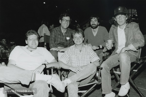 Back to the Future - Behind the scenes photo of Steven Spielberg, Michael J. Fox, Robert Zemeckis, Bob Gale & Neil Canton