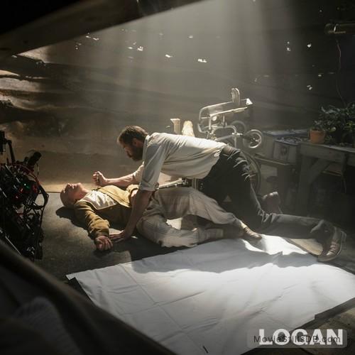 Logan - Behind the scenes photo of Hugh Jackman & Patrick Stewart