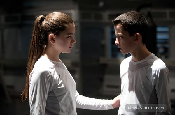 Ender's Game - Publicity still of Asa Butterfield & Hailee Steinfeld