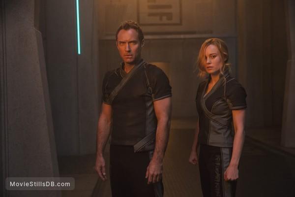 Captain Marvel - Publicity still of Jude Law & Brie Larson