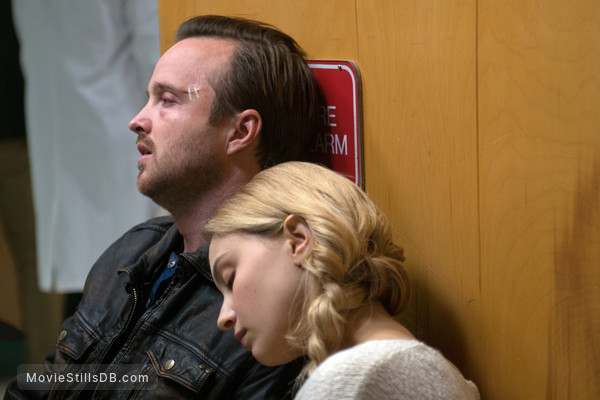 The 9th Life of Louis Drax - Publicity still of Aaron Paul & Sarah Gadon