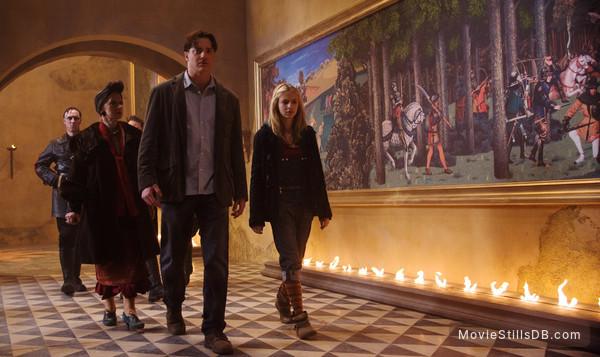 Inkheart - Publicity still of Brendan Fraser, Eliza Bennett & Helen Mirren
