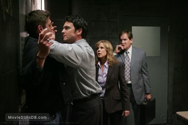 Supernatural - Publicity still of Linda Blair, Jensen Ackles, Jason Gedrick & Andy Stahl