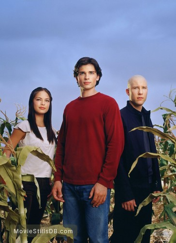 Smallville - Promo shot of Tom Welling, Michael Rosenbaum & Kristin Kreuk