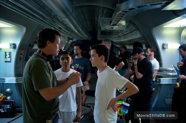 Ender's Game - Behind the scenes photo of Gavin Hood, Suraj Partha & Asa Butterfield